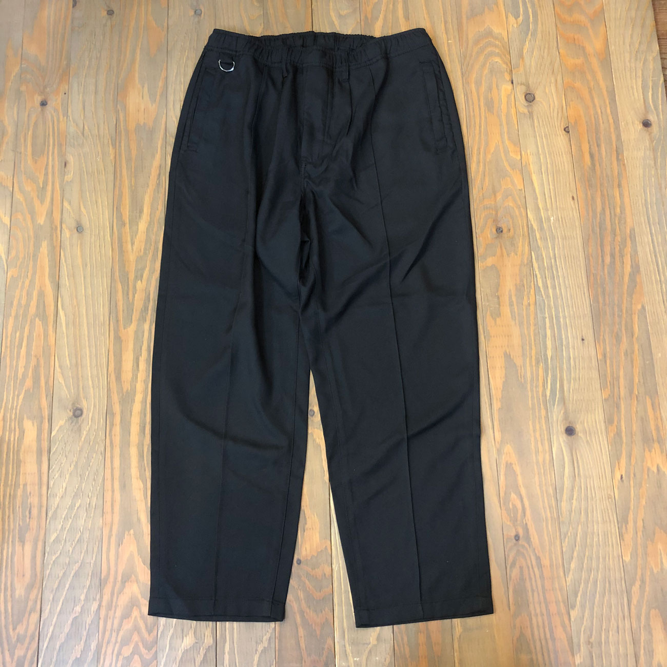 EVISEN PIN  TUCK EASY SLACKS BLACK