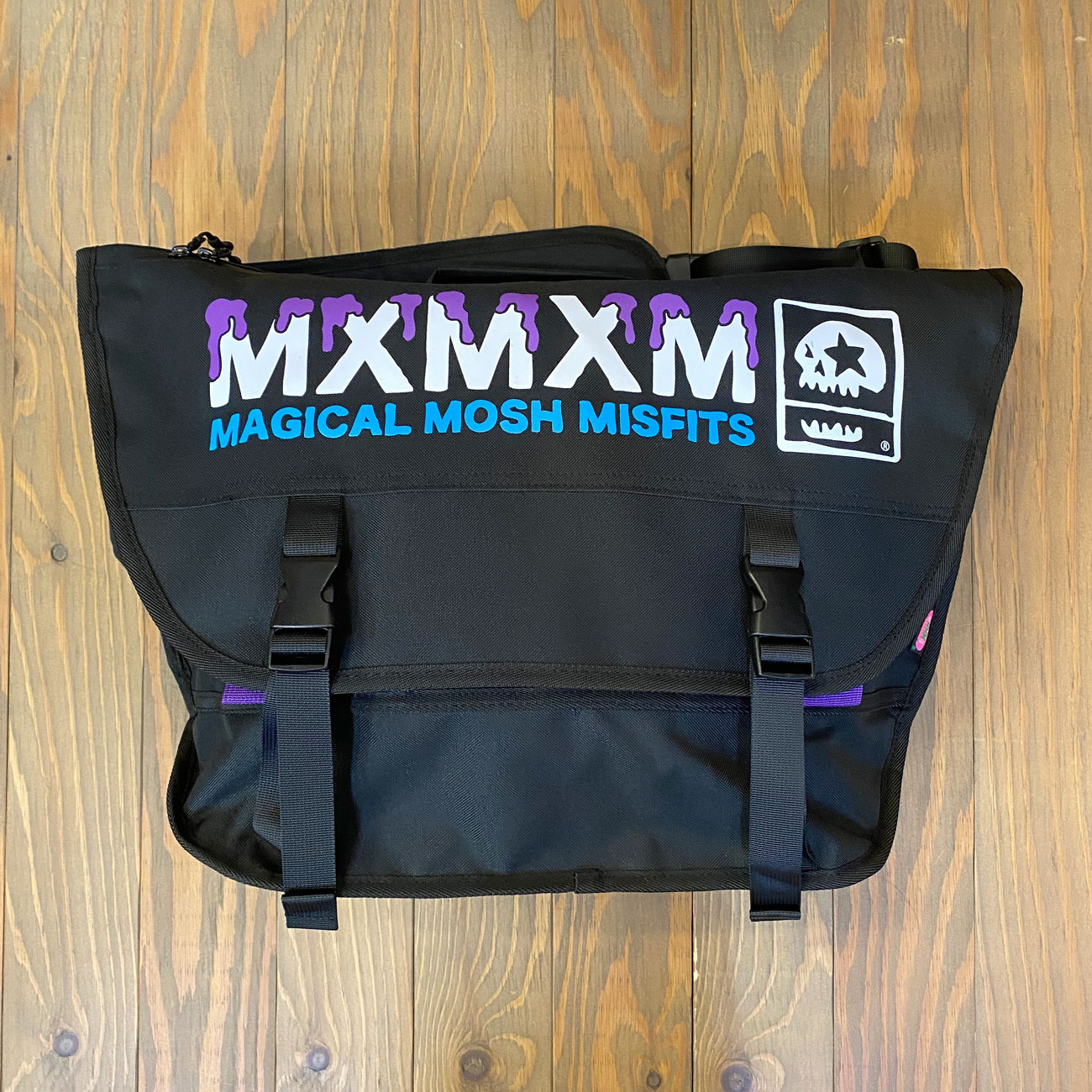 MAGICAL MOSH MESSENGER BAG