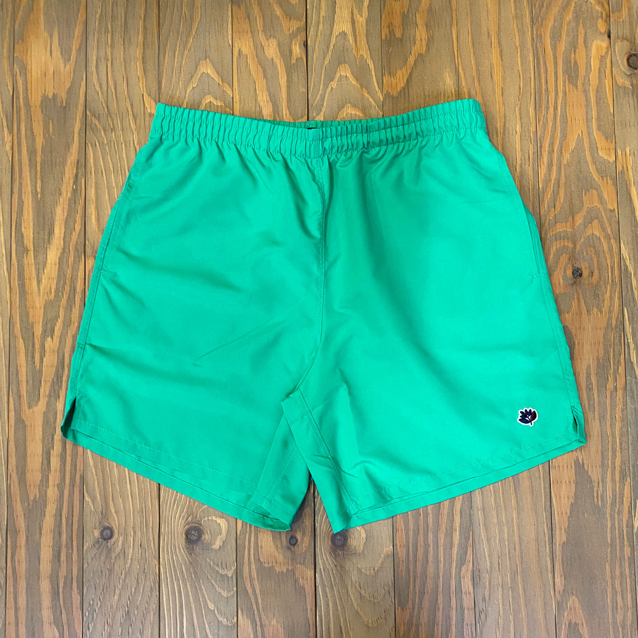 MAGENTA NYLON SHORTS GREEN