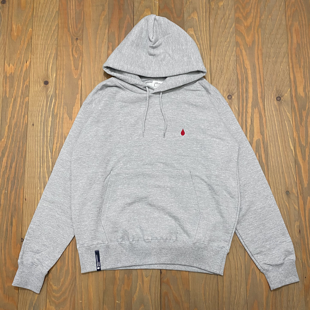 COLOR COMMUNICATIONS DRIP EMB LETTER HOODIE