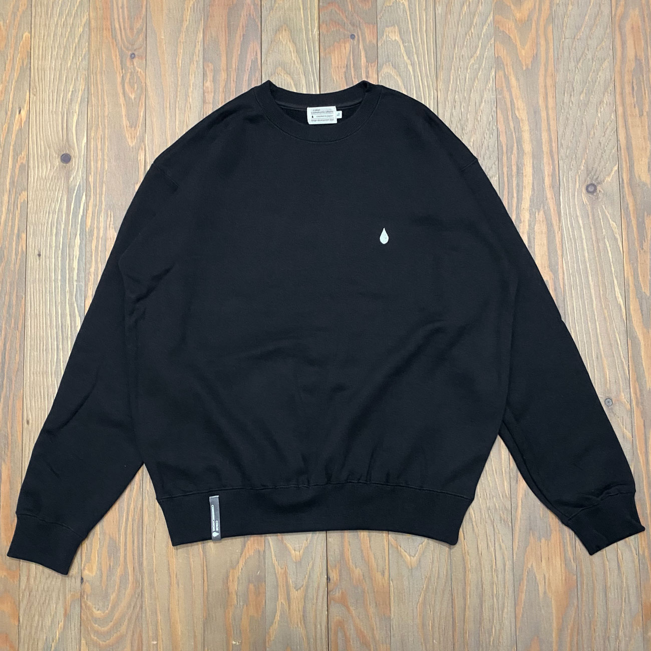 COLOR COMMUNICATIONS DRIP EMB LETTER CREW SWEAT