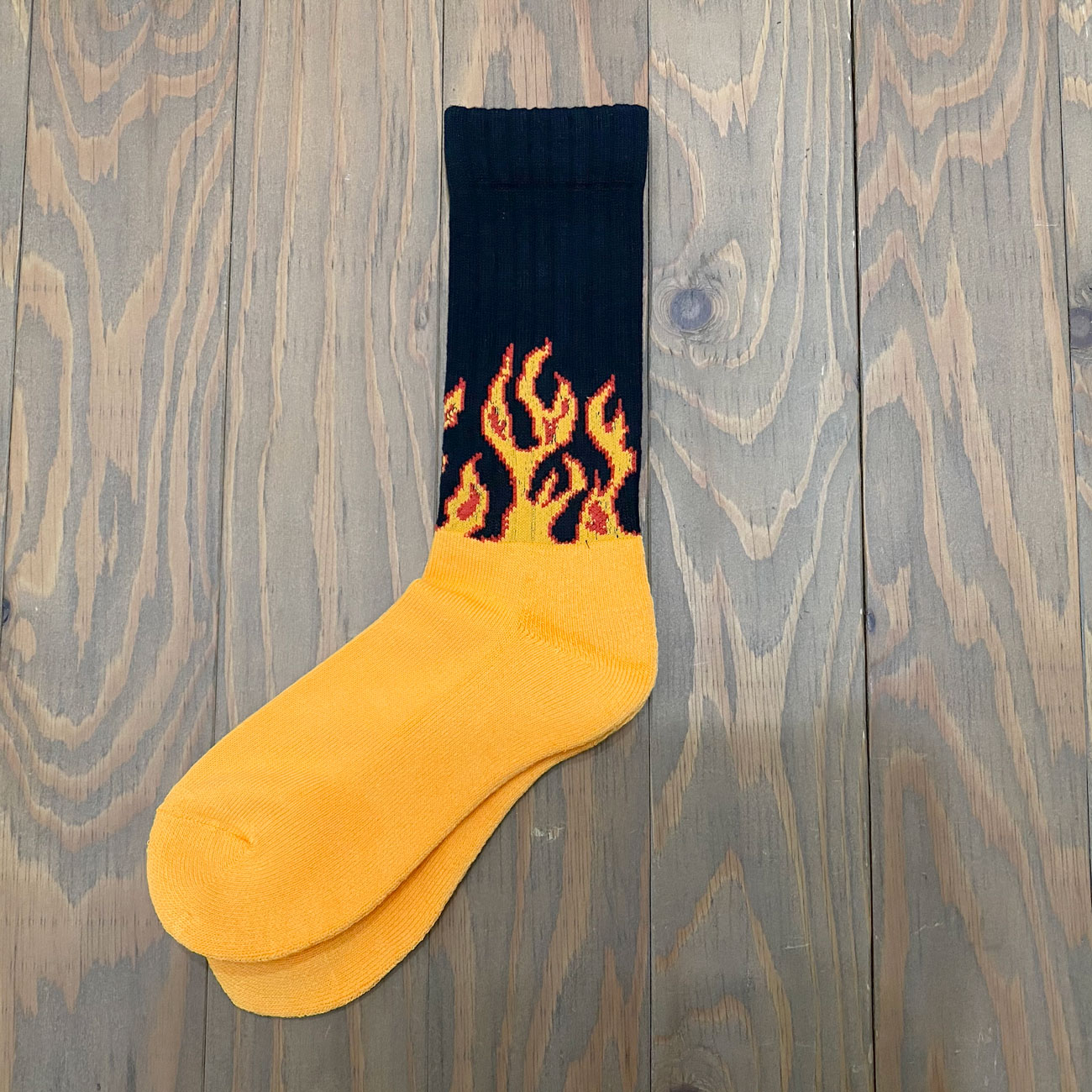 CHING & CO. FIRE BURNING SOX